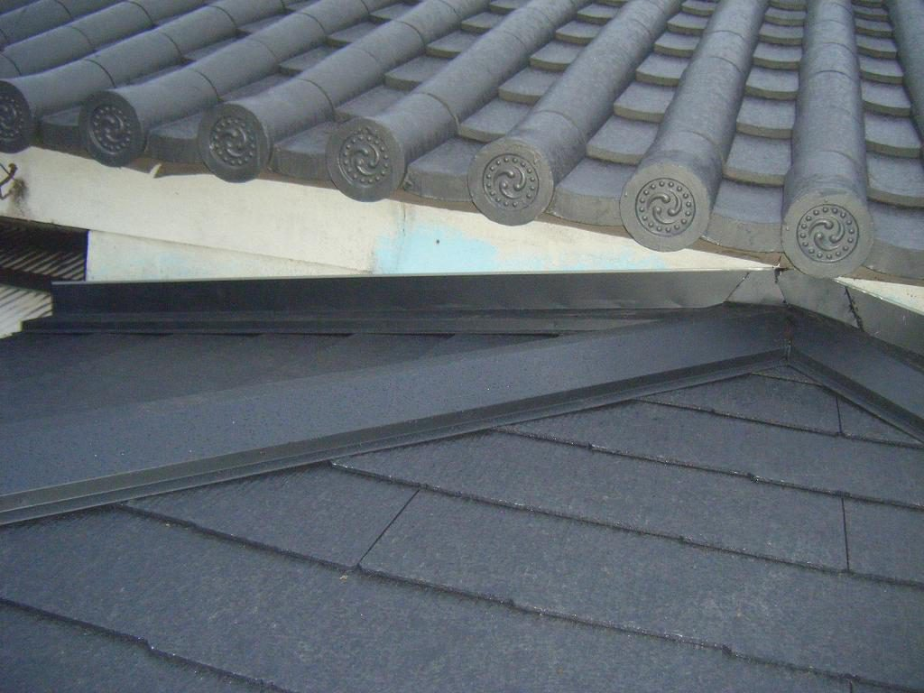 玄関屋根葺き替え工事